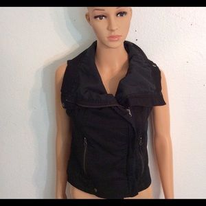 Zara Black Fitted Edgy Zipper Vest-Size Small